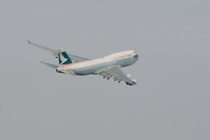 キャセイパシフィック航空 747 B-HKU