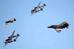 ロッキードP-38ライトニング、F-4ファントムII