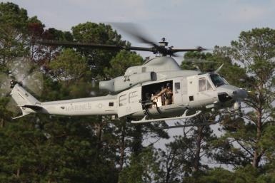 アメリカ海兵隊の新型ヘリコプタ...