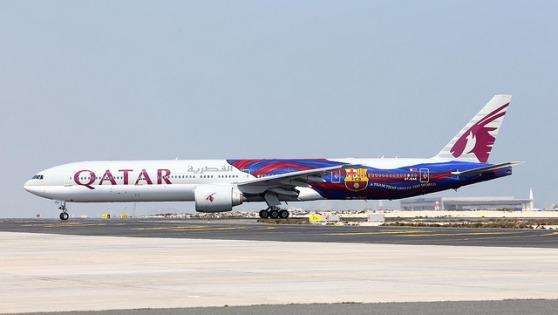 カタール航空 FCバルセロナ特別塗装機 A7-BAE