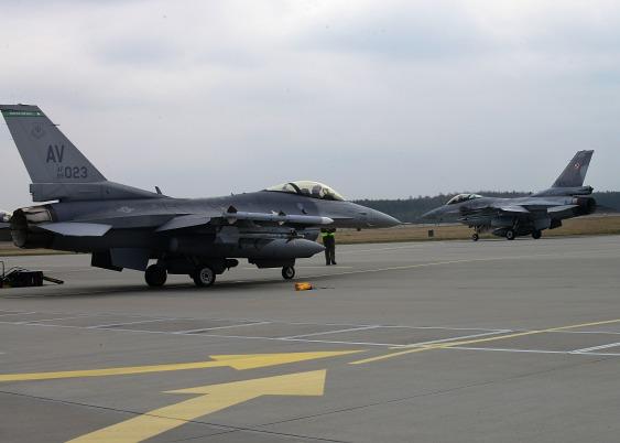 アメリカ空軍 ポーランド派遣 F-16