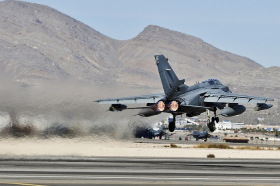 イギリス空軍 Panavia Tornado GR4