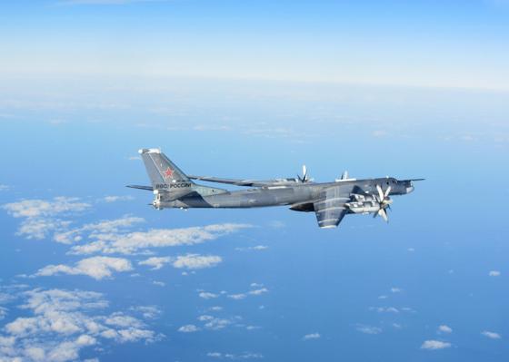 ロシア Tu-95ベアH戦略爆撃機