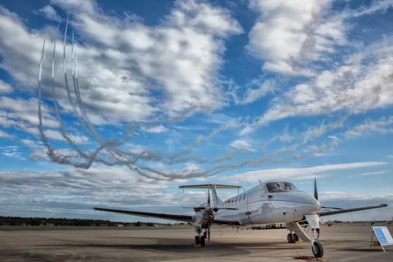 入間航空祭 C-12ヒューロンとブルーインパルス